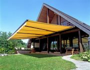 Los Angeles retractable awning